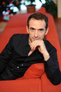 Hellas Journal: Συνέντευξη με τον συγγραφέα και ηθοποιό Κώστα Κρομμύδα: Με εφόδια τα έξι βιβλία του