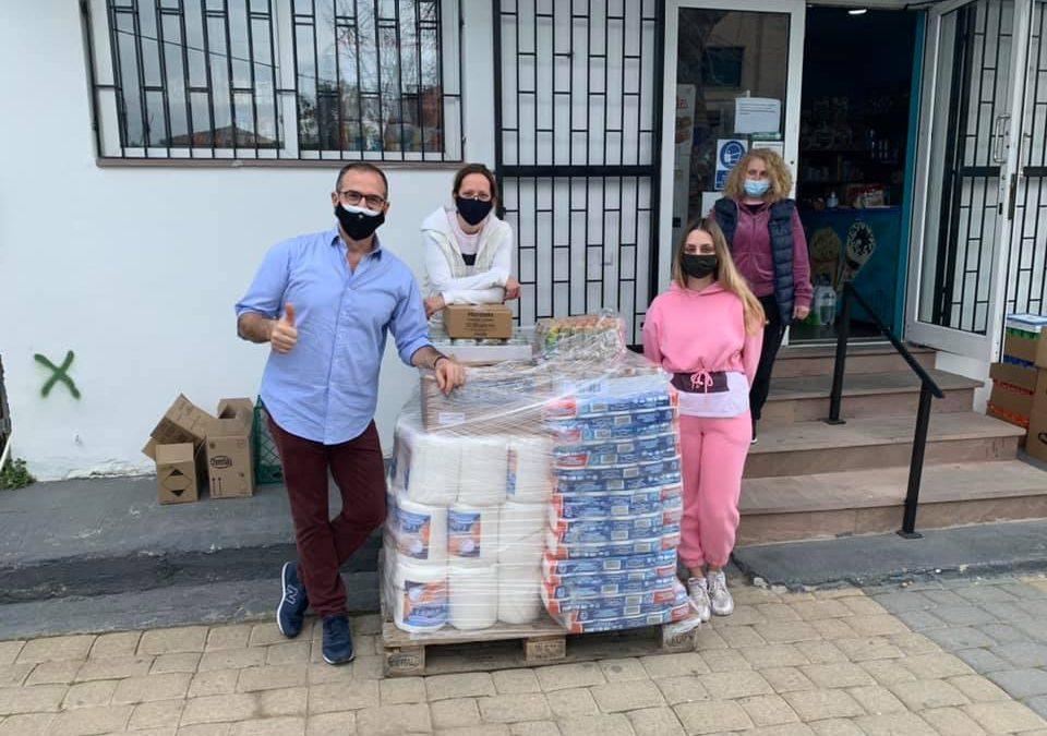Πρωτοβουλία αγάπης! Κώστας Κρομμύδας: Πήγε με την σύζυγό του είδη πρώτης ανάγκης στους κατοίκους των σεισμόπληκτων χωριών