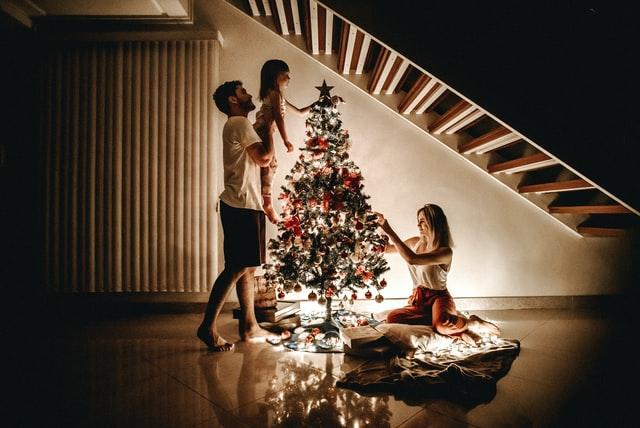 """""""Φέτος, στόλισε τα Χριστούγεννα μόνο με αγάπη…"""""""