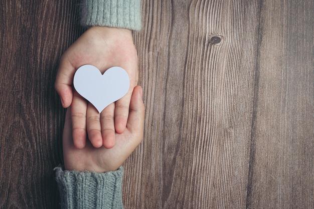 """""""Δώσε από την καρδιά σου και με την καρδιά σου"""""""